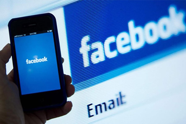 facebook multa proteccion datos