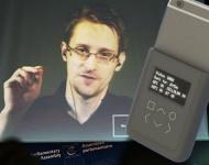 Snowden inventa una carcasa para iPhone que te avisa cuando te espían