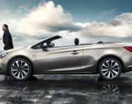 El descapotable Opel Cabrio conversa con los usuarios a través de Facebook para elegir conductores