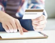 Los usuarios de apps de banca móvil online realizan más compras en Internet