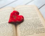 Google humaniza sus bots alimentándolos  con novelas de amor